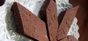 Chocolate Halvah Fudge Date Bars