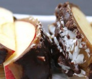 Raw Caramel Apples