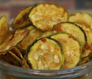Spicy Garlic Zucchini Chips