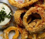 Onion Rings with Chipotle Aoili