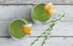 Coconut Mango Green Smoothie
