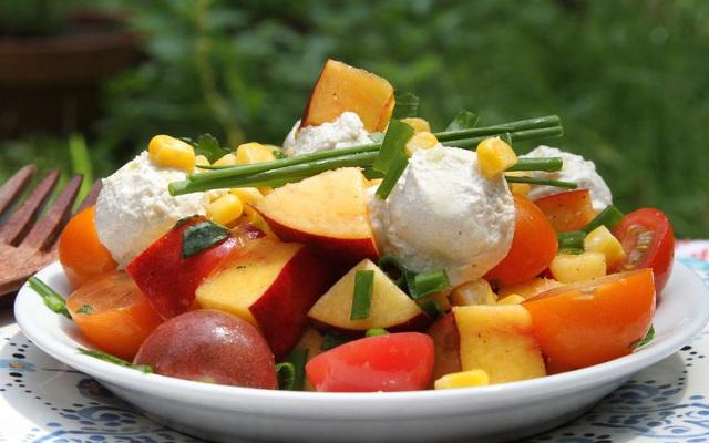 Summer Salad With Vegan Bocconcini