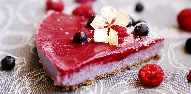 Blueberry Raspberry Cheesecake