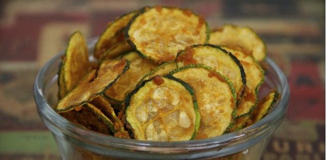 Spicy Garlic Zucchini Chips