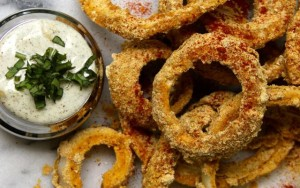 Onion Rings with Chipotle Aoili Dip