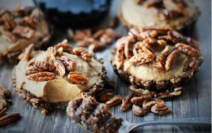 Raw Caramel Pecan Pie
