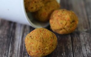 Carrot Cake Bliss Balls FTR