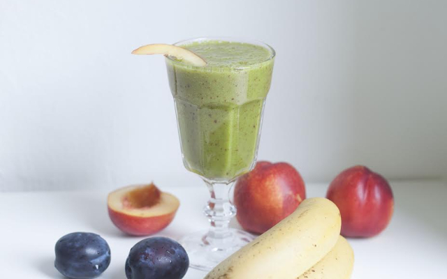 Fruity Matcha Smoothie