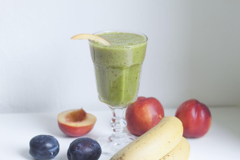 tutti fruity matcha smoothie