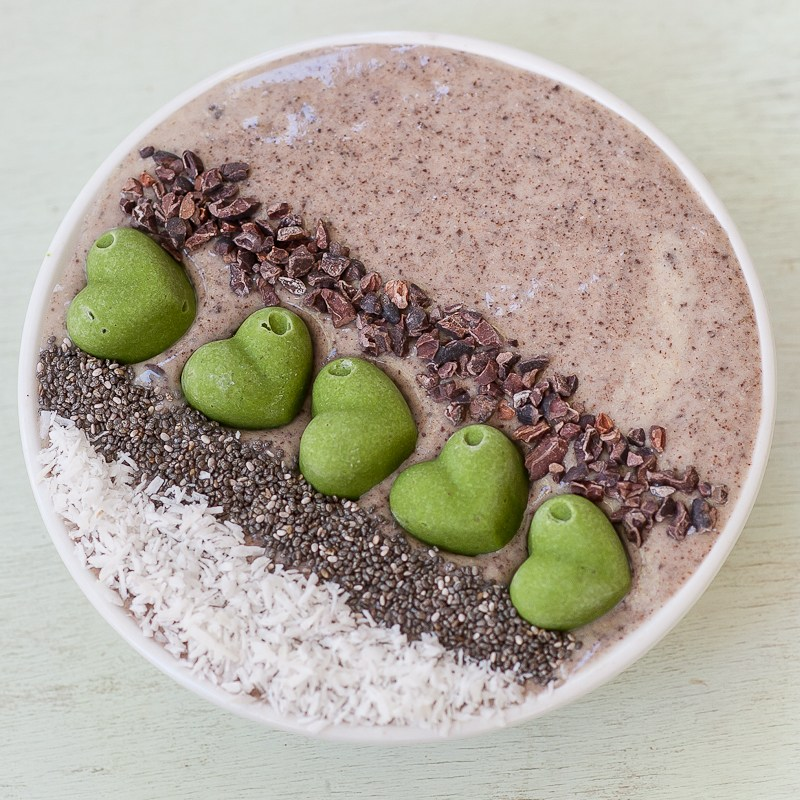 Raw Vegan Chocolate Smoothie Bowl