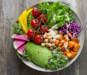 3 Vital Vitamins to Perfect a Raw Food Diet